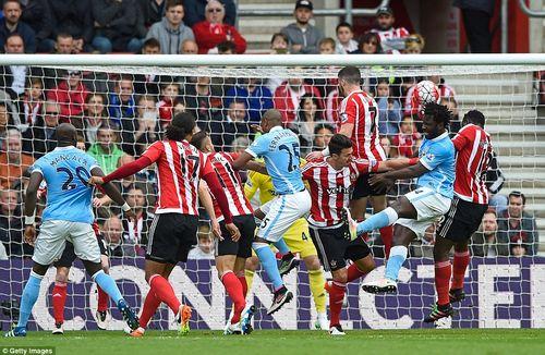 Southampton 4-2 Man City: Trượt Top 3, nguy cơ mất luôn Top 4 - Ảnh 1