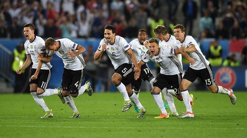 """Lần đầu phá """"dớp"""" trước Ý, Đức tiến vào bán kết - Ảnh 1"""