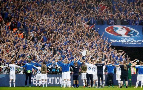 Thua trận, Iceland vẫn ăn mừng, thị uy ấn tượng - Ảnh 3