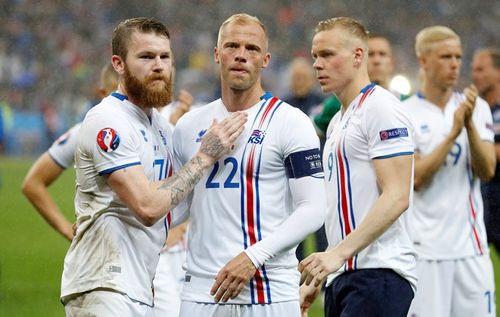 Thua trận, Iceland vẫn ăn mừng, thị uy ấn tượng - Ảnh 8