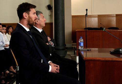 Tuyên phạt Messi 21 tháng tù vì tội trốn thuế - Ảnh 1