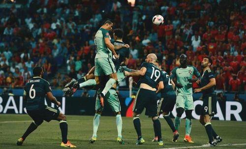 """Ronaldo thiết lập hàng loạt chỉ số khủng với cú đánh đầu """"sấm sét"""" - Ảnh 1"""