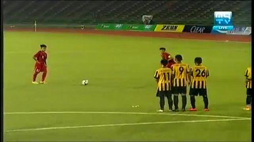 U16 Việt Nam hạ gục U16 Malaysia bằng 3 siêu phẩm - Ảnh 1