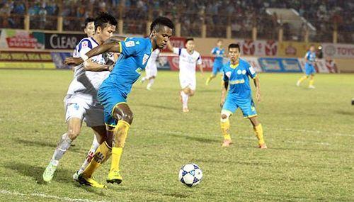 SLNA thua ngược Khánh Hòa, áp sát nhóm xuống hạng - Ảnh 1