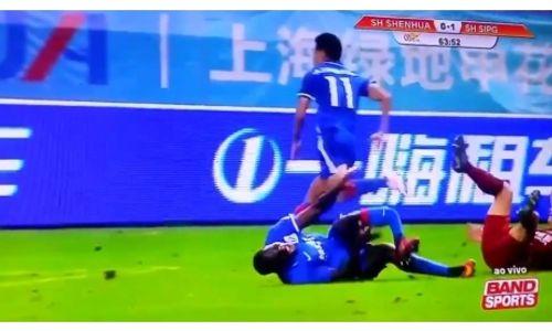 Cựu sao Chelsea gãy chân kinh hoàng ở Trung Quốc - Ảnh 1