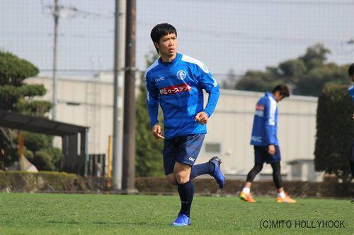 Công Phượng chơi trận thứ 3 tại J2 League cho Mito Hollyhock - Ảnh 1