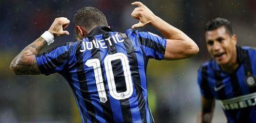 Cựu sao Man City lập tuyệt phẩm đánh gót giúp Inter Milan thắng trận - Ảnh 1