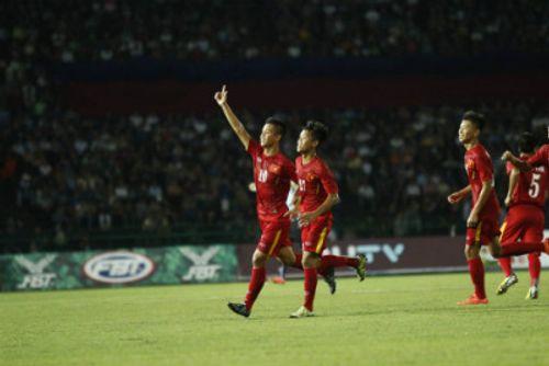 Vất vả vượt qua U16 Campuchia, U16 Việt Nam tái đấu U16 Australia ở chung kết - Ảnh 1