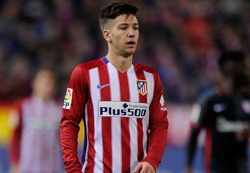 Tin chuyển nhượng tối 29/7: Sao trẻ Atletico lật kèo Barca - Ảnh 1