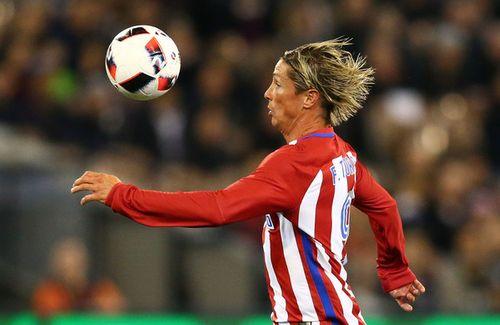 Torres xâu kim khiến đối thủ nổi điên - Ảnh 1