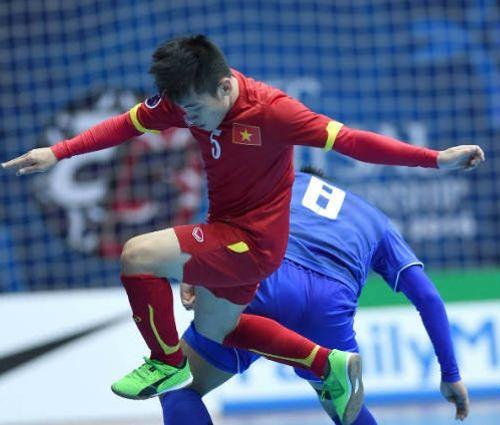 Pha ghi bàn đẳng cấp của ĐT futsal Việt Nam vào lưới Á quân Thế giới - Ảnh 1