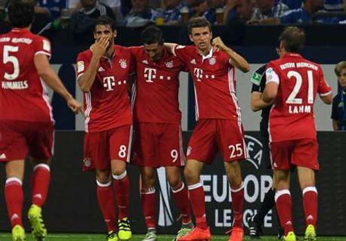 Lewandowski rực sáng, Bayern Munich tiếp tục dẫn đầu Bundesliga - Ảnh 1