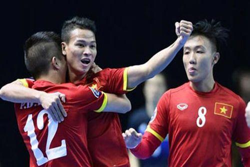 """ĐT futsal Việt Nam """"hành động lạ"""" sau chiến thắng lịch sử tại World Cup - Ảnh 1"""