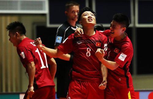 ĐT Futsal Việt Nam bất ngờ giành chiến thắng lịch sử ở World Cup Futsal - Ảnh 1