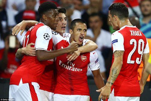 Arsenal thủng lưới ngay giây thứ 42 vẫn thoát hiểm trước PSG - Ảnh 1
