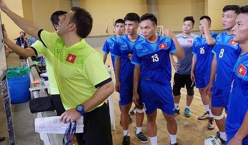 HLV Bruno tin ĐT Futsal Việt Nam có điểm trước Paraguay - Ảnh 1