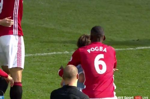 Pogba đối mặt án phạt cấm thi đấu 3 trận vì hành vi bạo lực - Ảnh 1