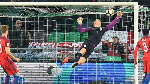 """Slovenia 0-0 Anh: """"Thánh làm nền"""" Joe Hart cứu rỗi tuyển Anh - Ảnh 1"""