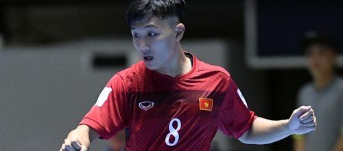 """Siêu phẩm của cầu thủ futsal Việt Nam đánh bại """"Vua futsal"""" Falcao - Ảnh 1"""