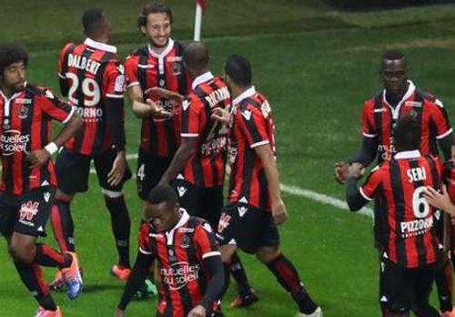 Balotelli đá hỏng penalty, Nice vẫn thắng Lyon và vững ngôi đầu - Ảnh 1