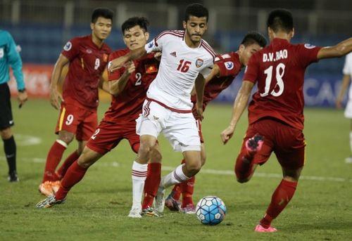"""Những pha """"chém đinh chặt sắt"""" của U19 Việt Nam vs U19 UAE - Ảnh 1"""