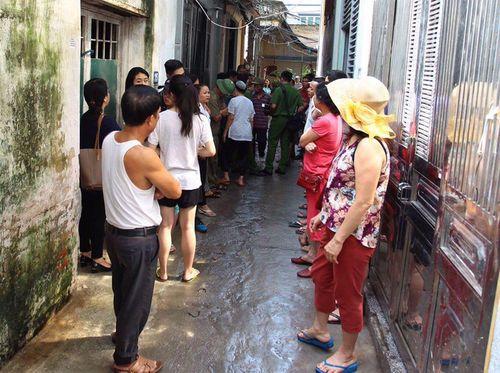 Hiện trường vụ hỏa hoạn ở Hà Nội khiến 4 người trong gia đình thiệt mạng - Ảnh 7