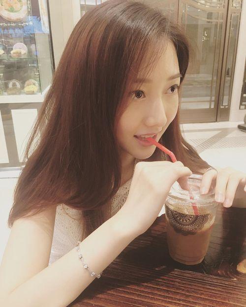 Dư luận Hồng Kông bức xúc vì Hoa hậu 2017 răng hô xấu xí, Á hậu lại có nhan sắc tuyệt trần - Ảnh 4