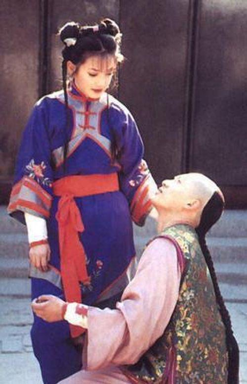 Mặc mọi scandal cãi vã, hình ảnh đẹp của Hoàn Châu Cách Cách còn mãi trong lòng khán giả - Ảnh 12