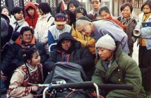 Mặc mọi scandal cãi vã, hình ảnh đẹp của Hoàn Châu Cách Cách còn mãi trong lòng khán giả - Ảnh 26