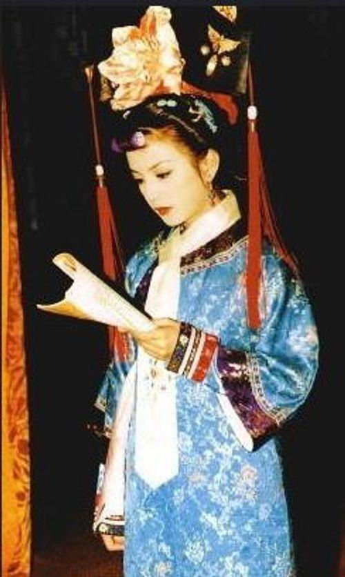 Mặc mọi scandal cãi vã, hình ảnh đẹp của Hoàn Châu Cách Cách còn mãi trong lòng khán giả - Ảnh 7