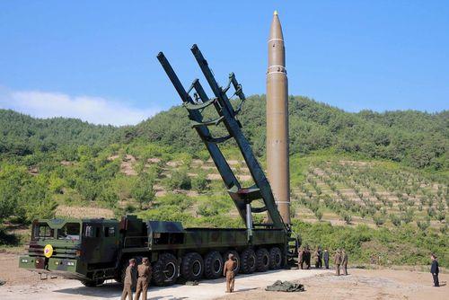 """Lệnh trừng phạt mới với Triều Tiên: Bình Nhưỡng ứng phó ra sao với """"đòn chí tử""""? - Ảnh 2"""