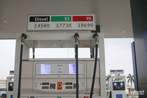 Nhìn người Việt nồng nhiệt chào đón trạm xăng phong cách 'chuẩn Nhật', Petrolimex, PV Oil có thấy lo lắng không? - Ảnh 1
