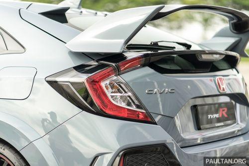 Đối thủ của Ford Focus RS - Honda Civic Type R 2017 xuất hiện với giá 1,73 tỉ đồng - Ảnh 4