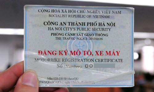 Đi xe máy không mang theo đăng ký xe bị phạt thế nào? - Ảnh 1