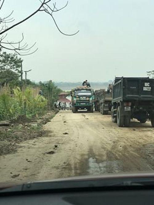 Chính quyền huyện Phúc Thọ phớt lờ sai phạm của bến đò Vân Phúc - Ảnh 2