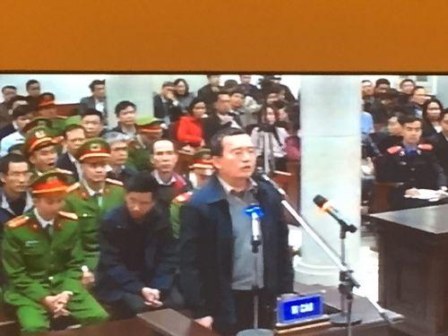 Xét xử Đinh La Thăng: Nhiều bị cáo khai làm theo chỉ đạo của cấp trên - Ảnh 1