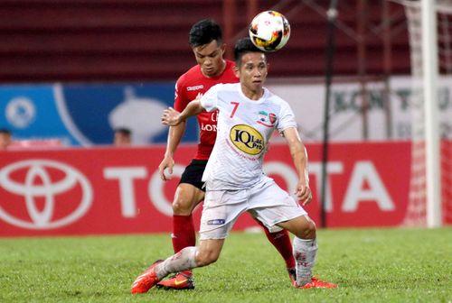 Tuyển thủ Hồng Duy của U23 Việt Nam thích đắp mặt nạ giấy và bán son trên instagram  - Ảnh 1