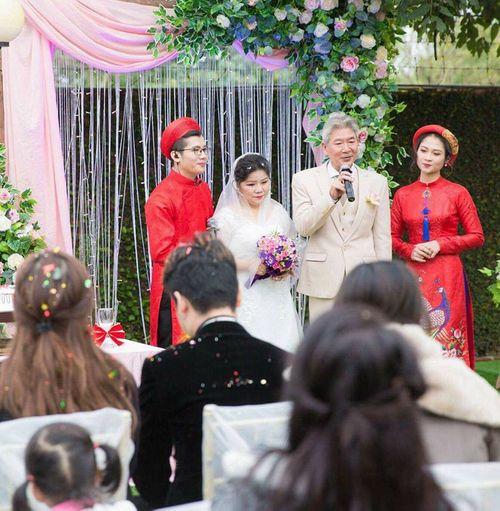 NSND Thanh Hoa lần đầu mặc váy cưới ở tuổi 67 - Ảnh 1