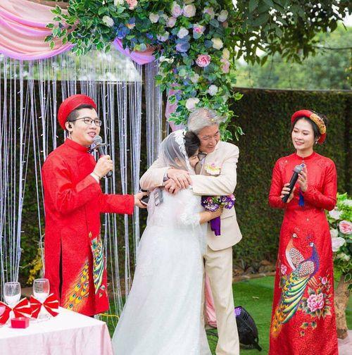NSND Thanh Hoa lần đầu mặc váy cưới ở tuổi 67 - Ảnh 3