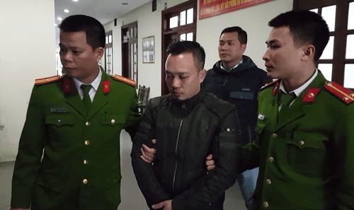 Cướp ngân hàng ở Bắc Giang: Nghi phạm lấy đồ chơi của con để chế mìn giả - Ảnh 2