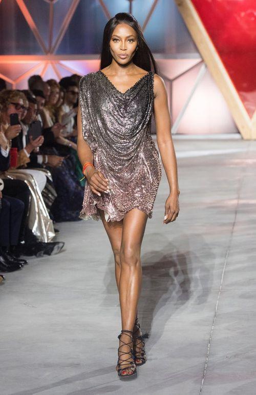 Siêu mẫu Naomi Campbell và bí quyết giữ dáng như gái dậy thì - Ảnh 7