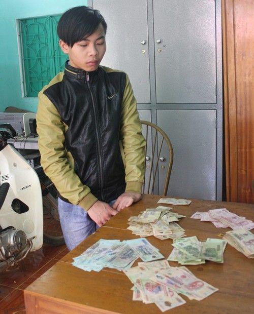 Trộm tiền vào mùng 1 Tết, đối tượng bị bắt sau 17 giờ trốn chạy - Ảnh 1