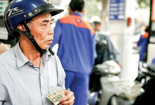 Nhập nhèm thuế xăng, Petrolimex lãi đậm thế nào? - Ảnh 2