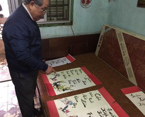 """PGS Bùi Hiền tuyên bố dừng toàn bộ việc nghiên cứu bảng chữ cái """"Tiếw Việt"""" cải tiến - Ảnh 1"""