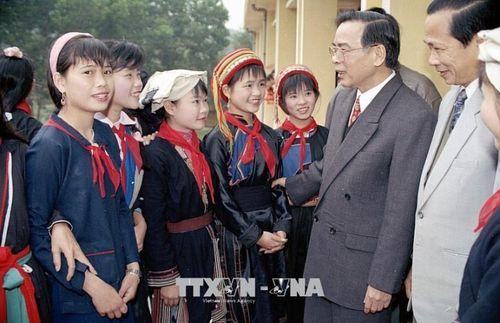 Những hình ảnh hoạt động của Nguyên Thủ tướng Chính phủ Phan Văn Khải - Ảnh 9