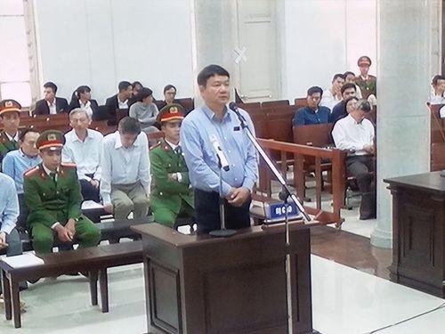 Bị cáo Đinh La Thăng nhận trách nhiệm việc góp vốn lần 3 vào Oceanbank - Ảnh 1