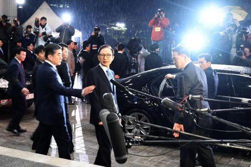 Công tố Hàn Quốc đề nghị bắt giữ cựu Tổng thống Lee Myung Bak - Ảnh 1