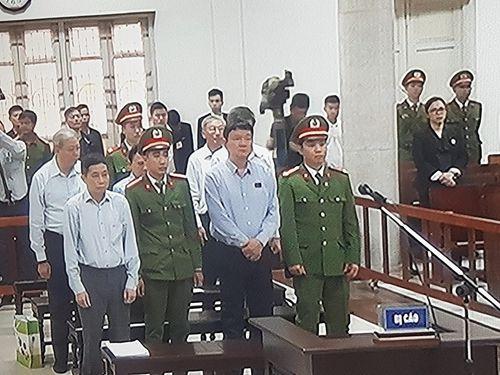 VKS đề nghị mức án 18 đến 19 năm tù đối với bị cáo Đinh La Thăng - Ảnh 2
