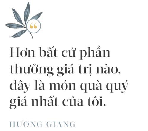 Hoa hậu Hương Giang: Lần đầu tiên sau 7 năm, bố mới dám đưa tôi về quê nội thắp hương - Ảnh 10