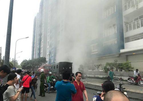 """Vụ cháy chung cư Carina Plaza: 577 càng """"xoay""""... càng thiệt hại - Ảnh 4"""